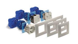 Placche Young 44 da 2+2 e 2+2+2 moduli con design orientabile