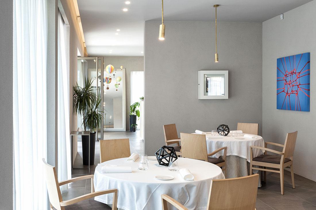 Impianto elettrico di design per ristorante