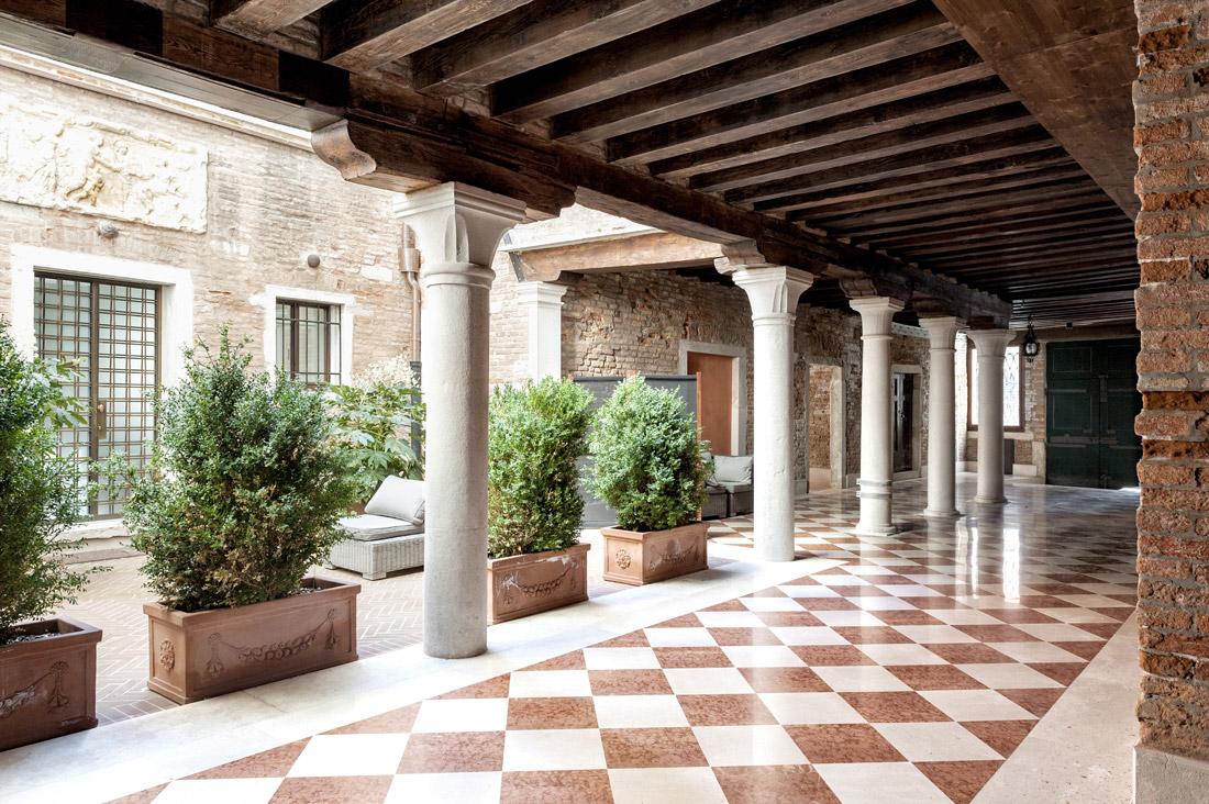 Gestione alberghiera AVE - Vista Palazzo a Venezia