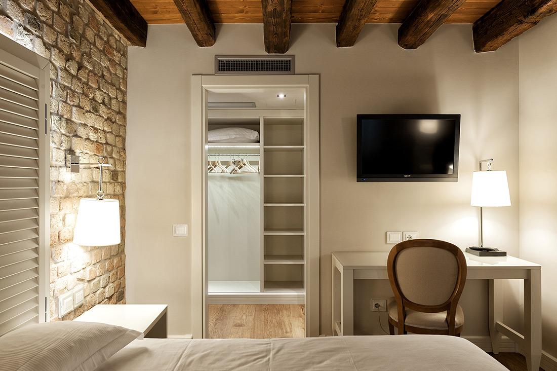 Impianto domotico AVE per camera d'albergo