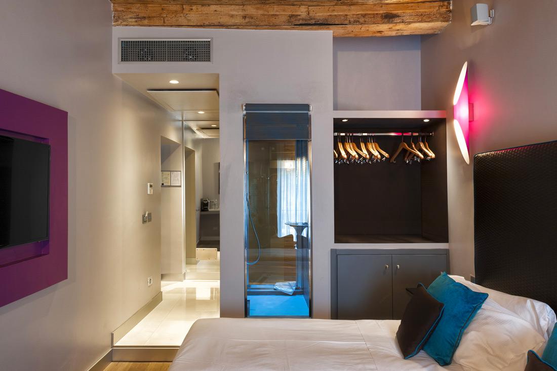 Impianto elettrico AVE per camera hotel Torre Argentina Relais