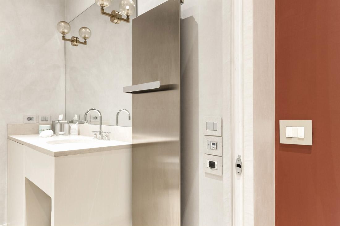 Impianto elettrico per bagno hotel
