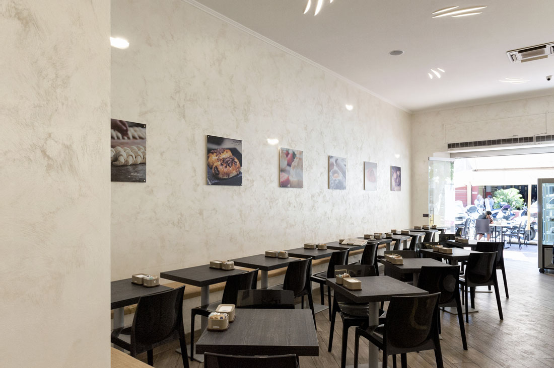 Interruttore AVE Young Youch all'interno del Bar