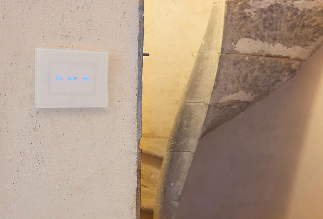 Interruttore touch AVE a 3 comandi - Torre di Maiano