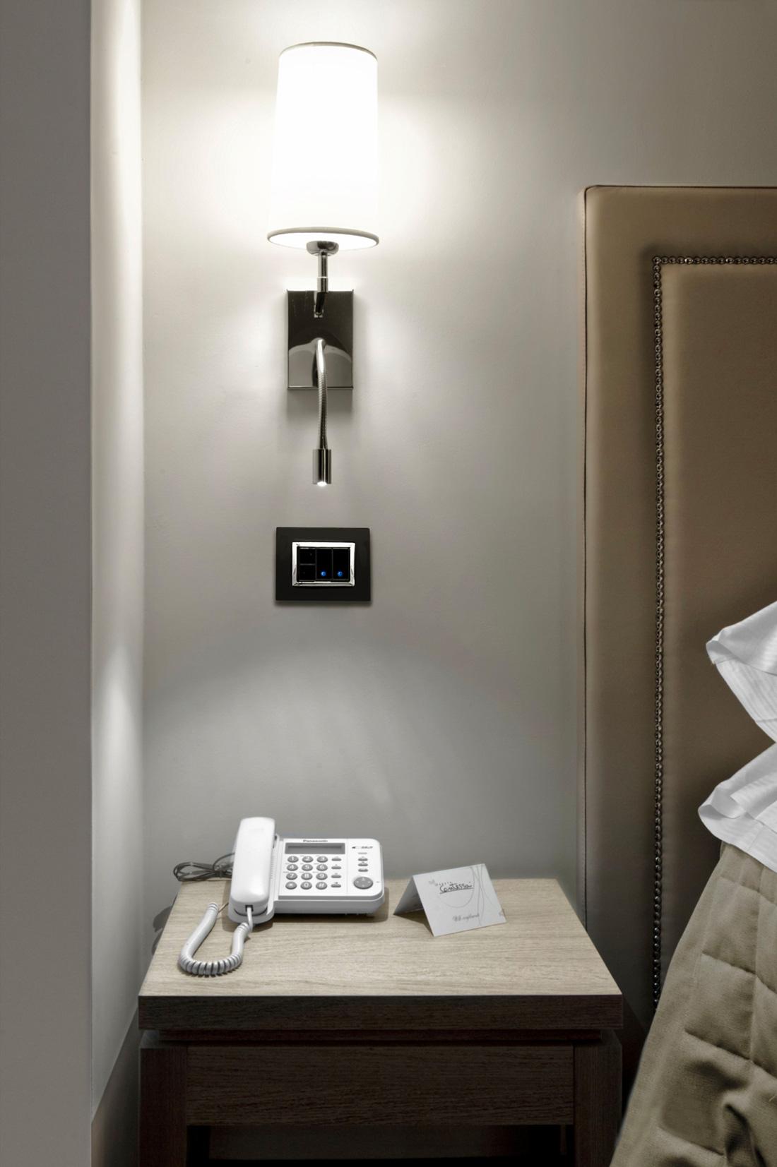 Interruttori AVE nero Life 44 per hotel