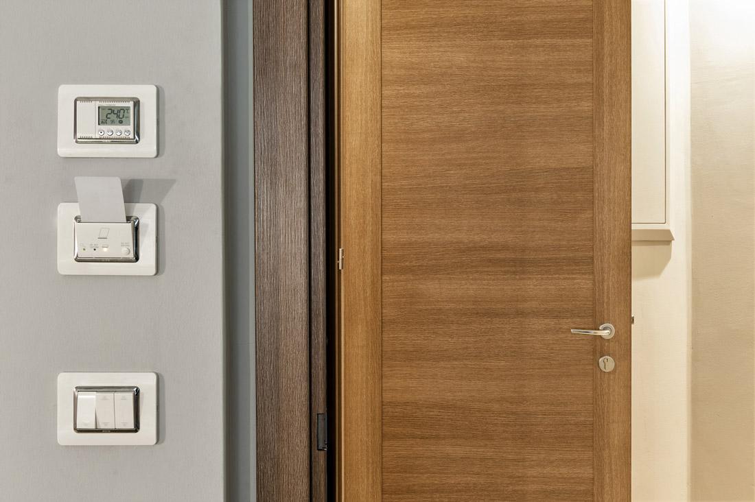 Lettore, interruttori e termostato coordinati