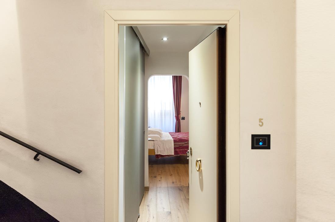 Lettore touch per accesso stanze AVE - Ripetta Palace di Roma