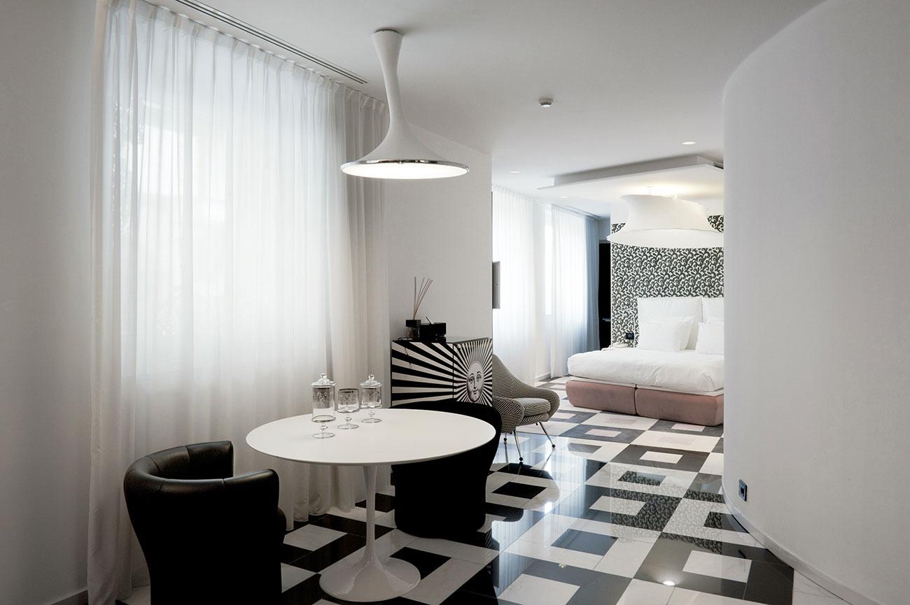 Presa elettrica AVE - Hotel Boscolo Milano