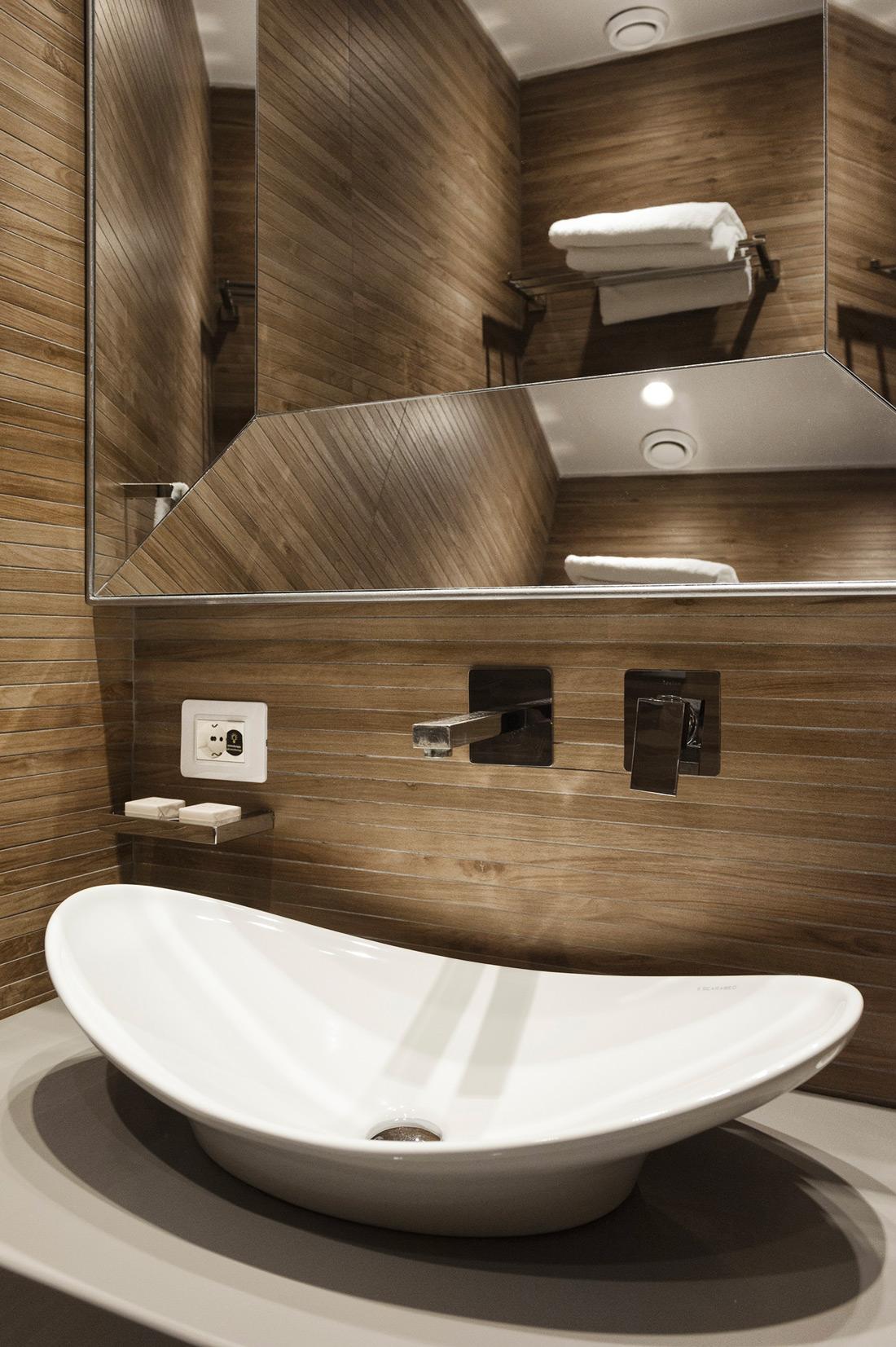 Presa elettrica da bagno hotel AVE - Torre Argentina Relais