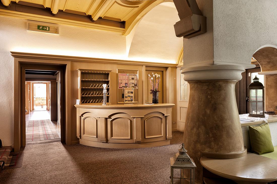 Referenza AVE Hotel Alla Rocca - Reception
