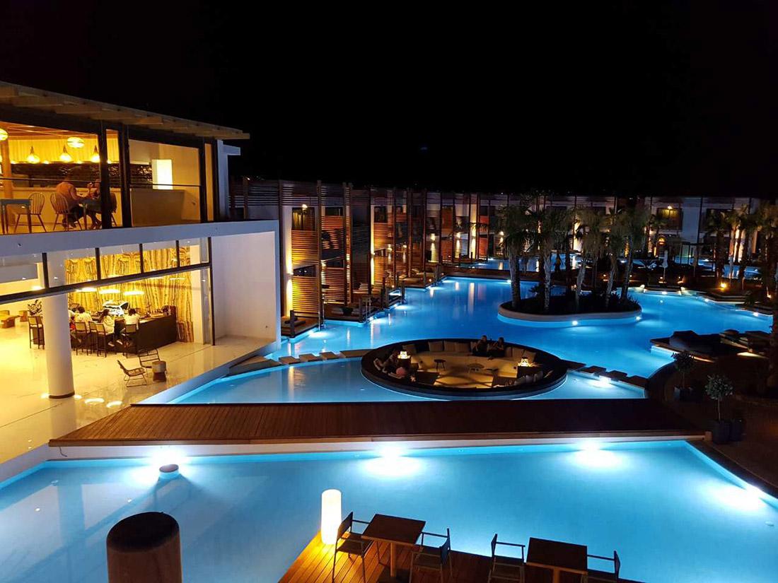 Referenza AVE - Hotel a Creta in Grecia con vista piscina