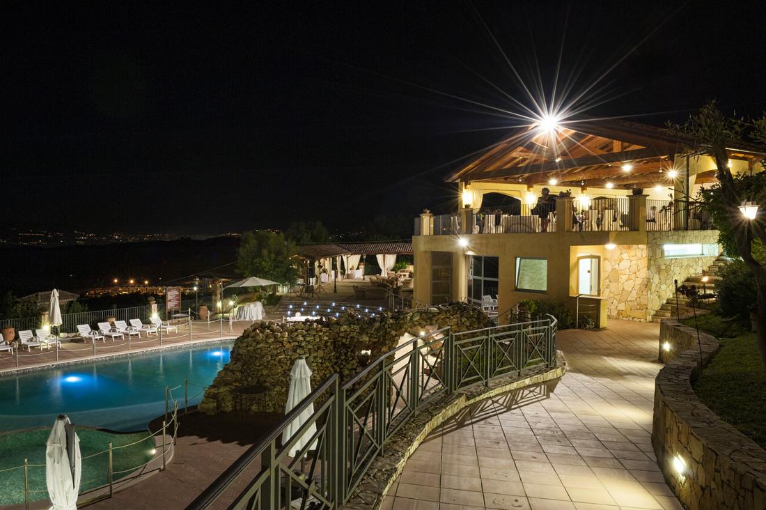 Referenza AVE Tenuta Contessa Relais Country House - Esterno di notte