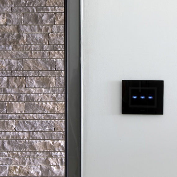 Villa domotica AVE con interruttore touch