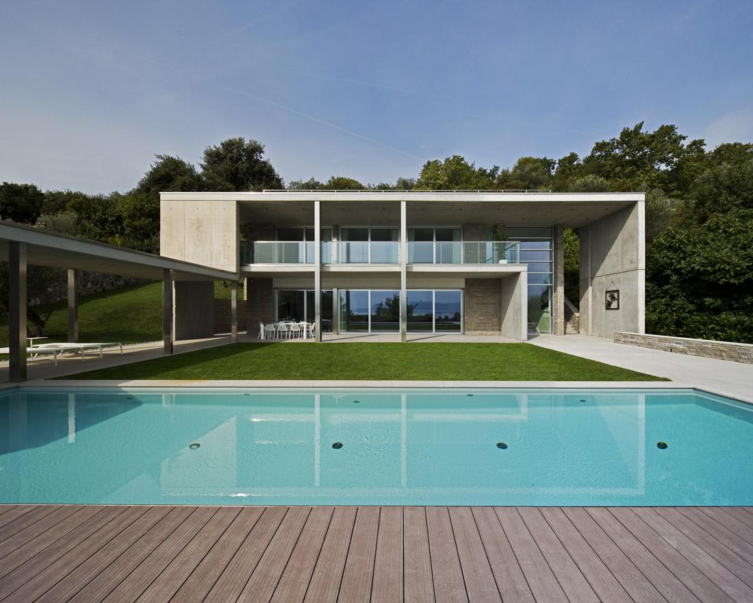 Villa domotica AVE dal design minimalista