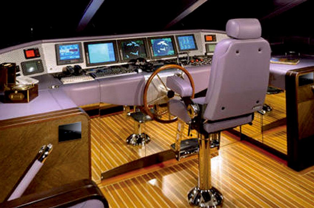 Referenza AVE Yacht con interruttori touch