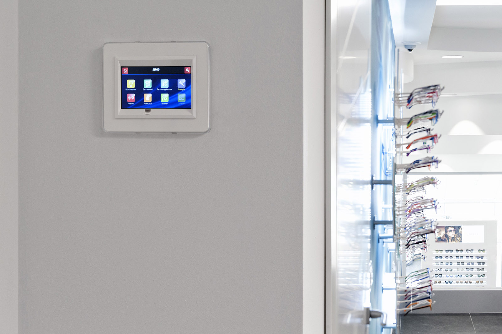 Touch Screen for building automation