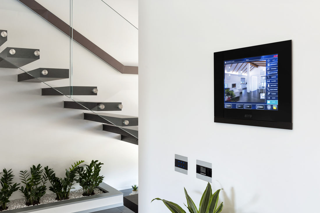 Touch Screen home automation AVE