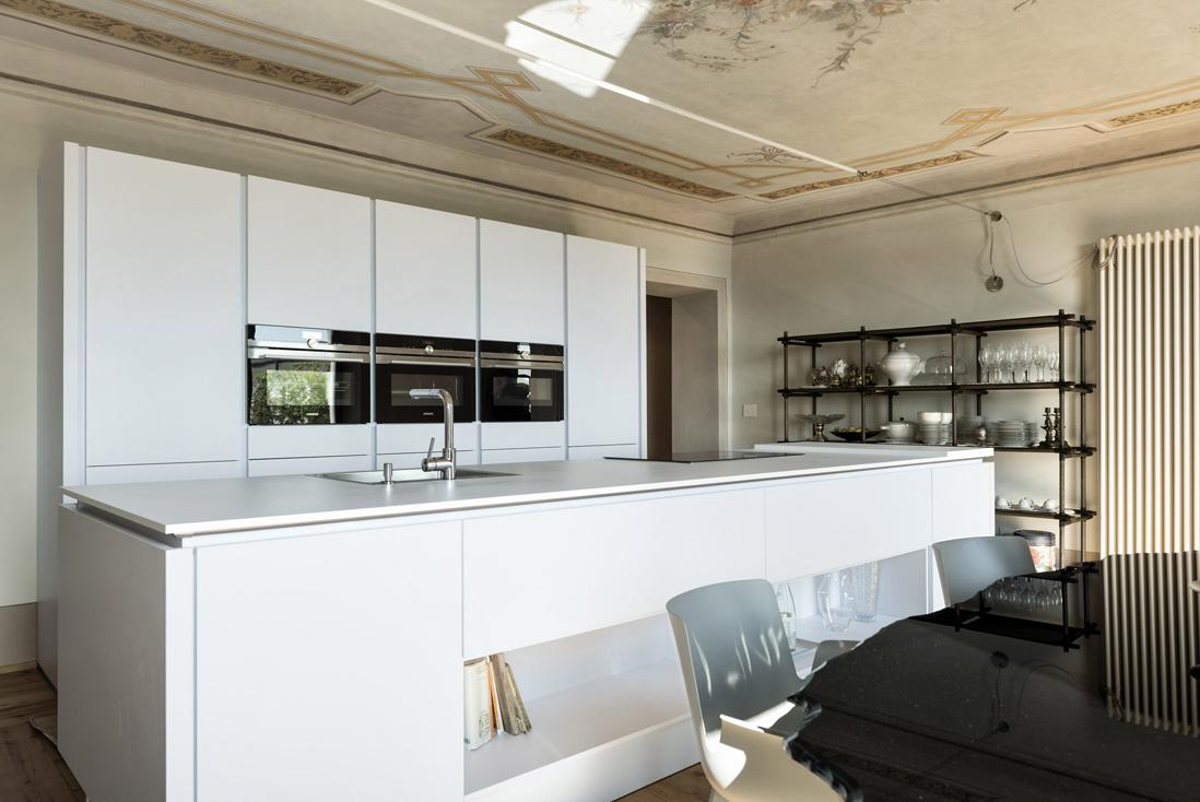 Cucina contemporanea per la villa storica - Referenza AVE
