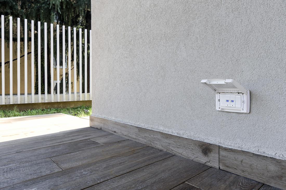 Contenitori stagni per interruttori domotica AVE da esterno